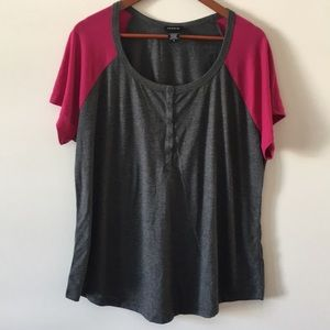 Torrid 2 Short Sleeve Color Block Top Gray Pink